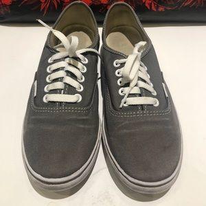 Vans Unisex Low Top Shoes Sz. Women's 9, Mens 7.5